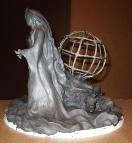 Поиск образа. Скульптура из пластилина (вид сбоку)